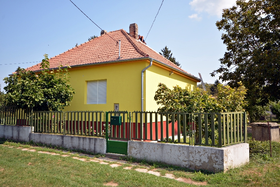 Traditional style house for sale 8km from the spa at Héviz