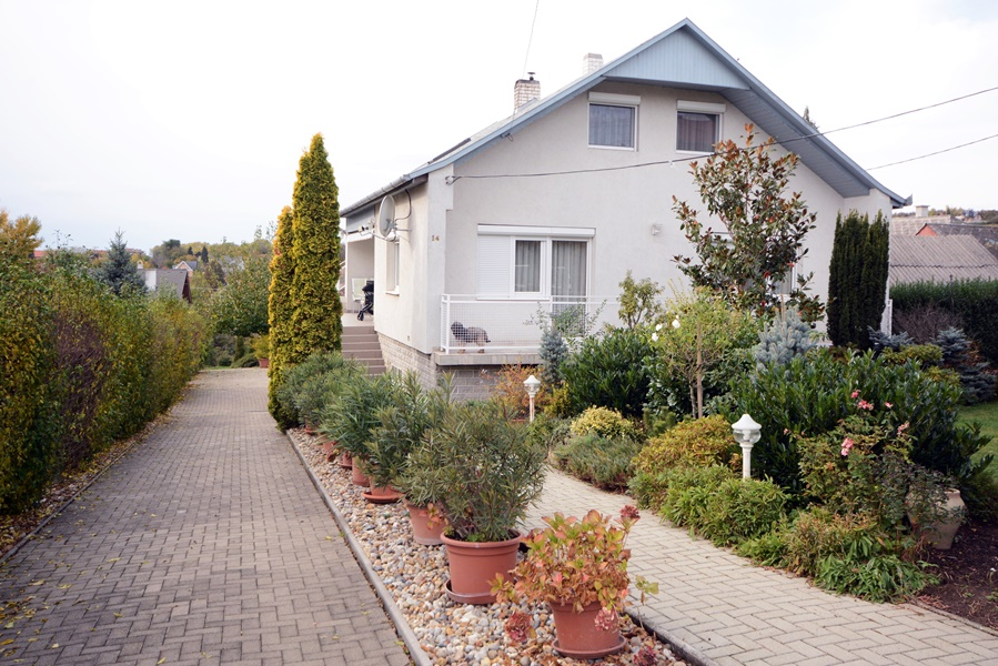 Well maintained detached house for sale near Keszthely
