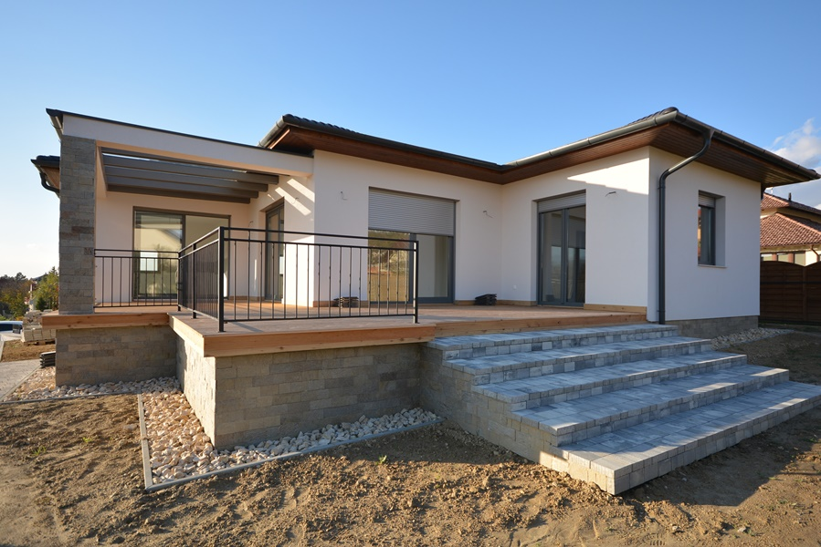 New detached house under construction from high-quality materials on the north coast of Lake Balaton