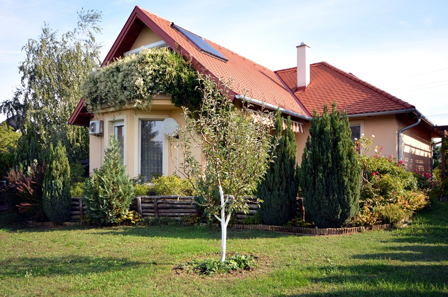 Maintained detached house on the northern shore of Lake Balaton near Hévíz and Keszthely