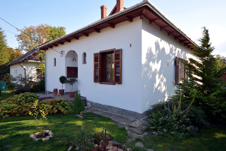 Refurbished very high-quality detached house in one of the highly-valued parts of Keszthely