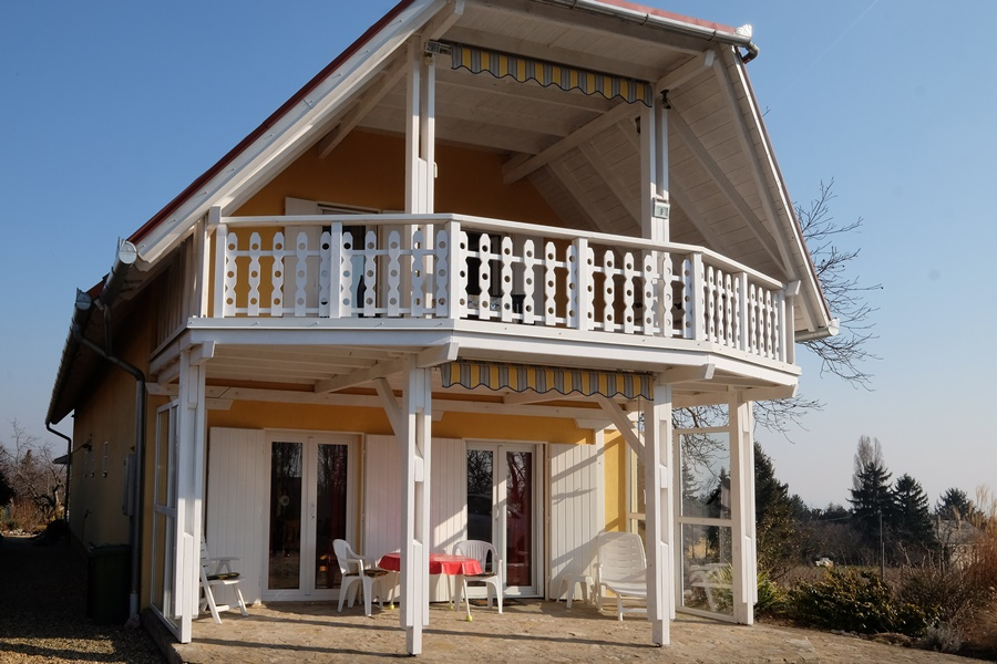 Small apartment house for sale at lake Balaton