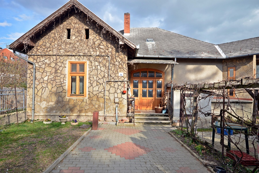 House for sale in Keszthely